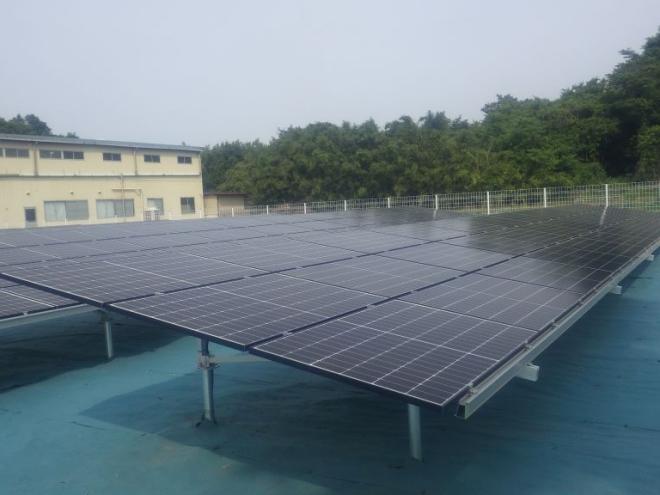 邑楽郡篠塚太陽光発電所の全景写真