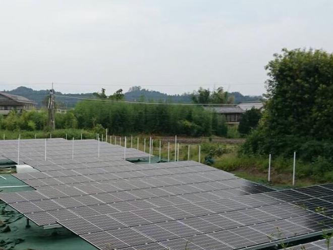 安中市二軒在家太陽光発電所2の全景写真